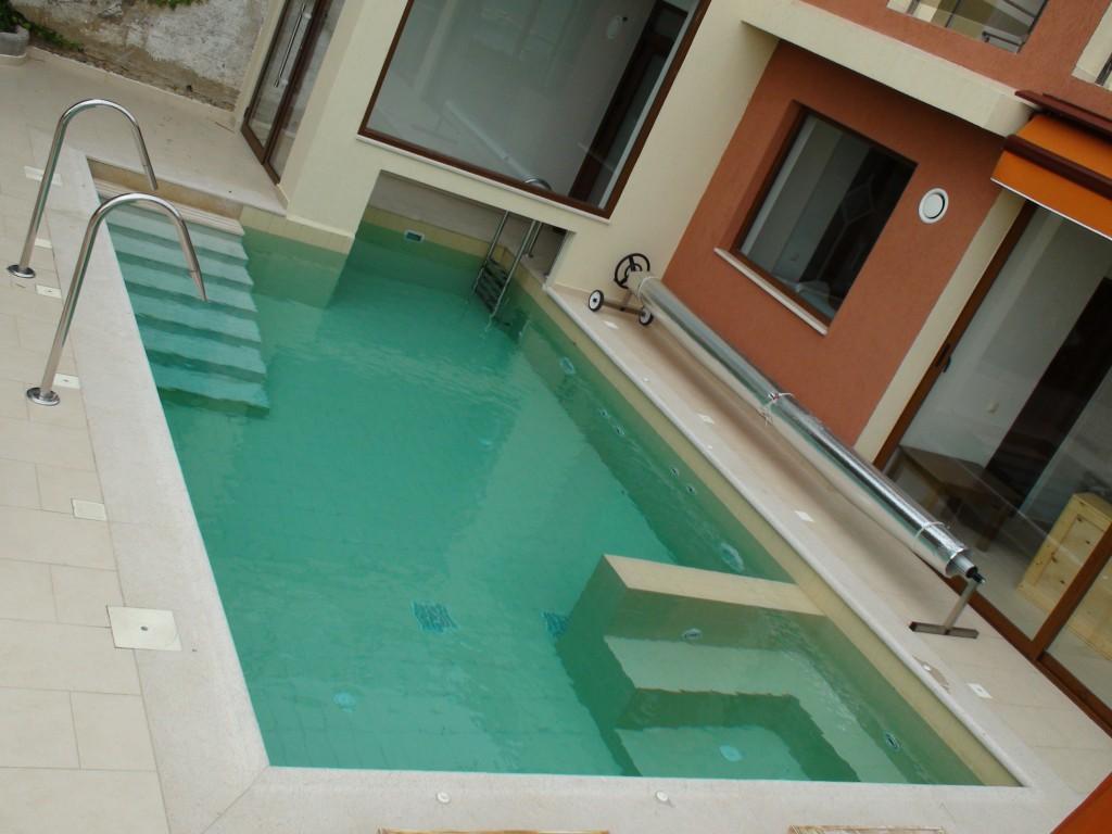 Πισίνα υδροθεραπείας στην Νέα Σκιώνη Χαλκιδικής