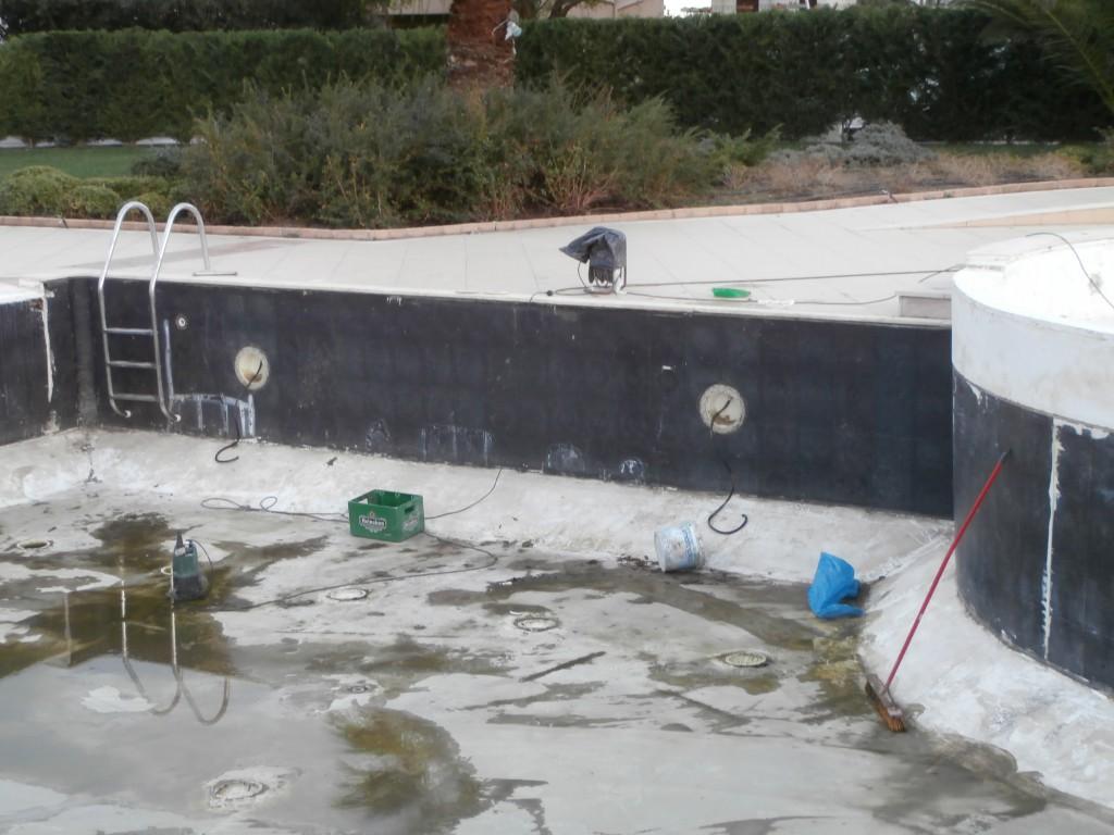 Πισίνα πριν την ανακατασκευή σε πεντάστερο ξενοδοχείο