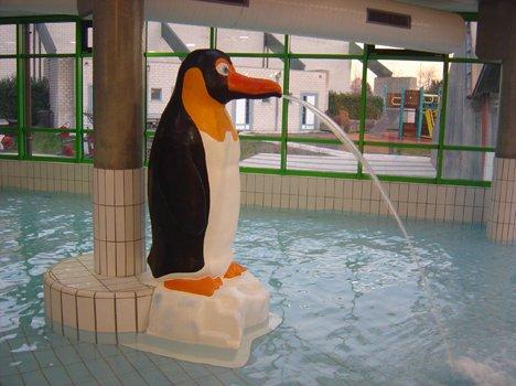 9803-penguin-1